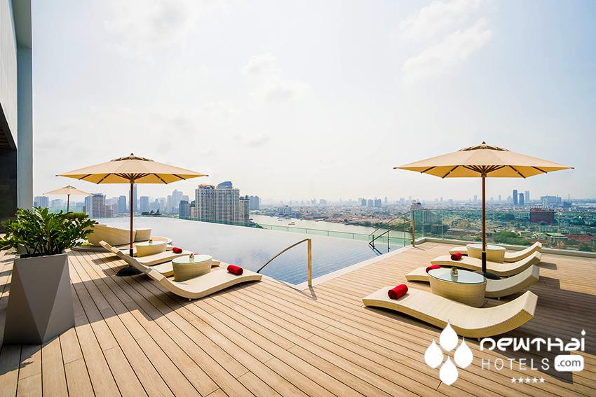 Pool at AVANI Riverside Bangkok