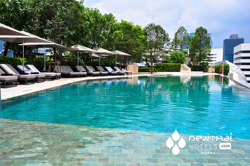 40 meter infinity pool at the Park Hyatt Bangkok