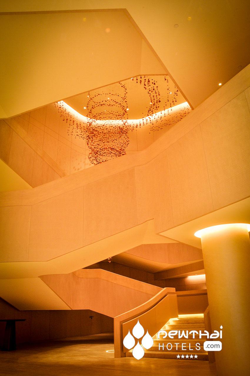 Pagoda Mirage sculpture by Hirotoshi Sawada