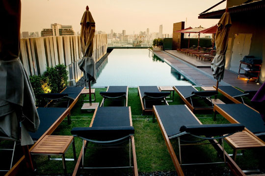 Pool at Mercure Siam