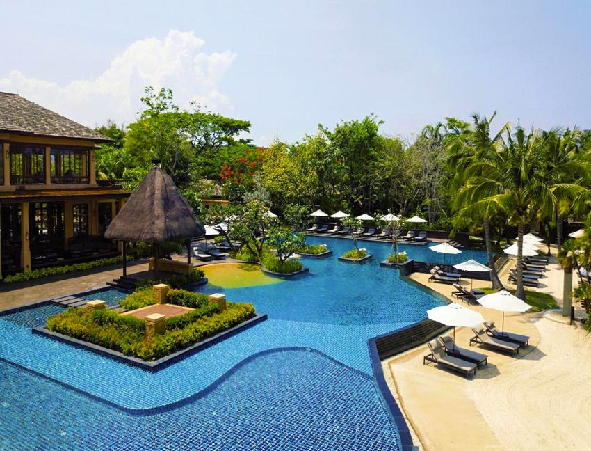The pool at Movenpick Asara Hua Hin