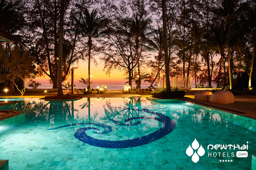 X2 Khao Lak Anda mani pool at sunset